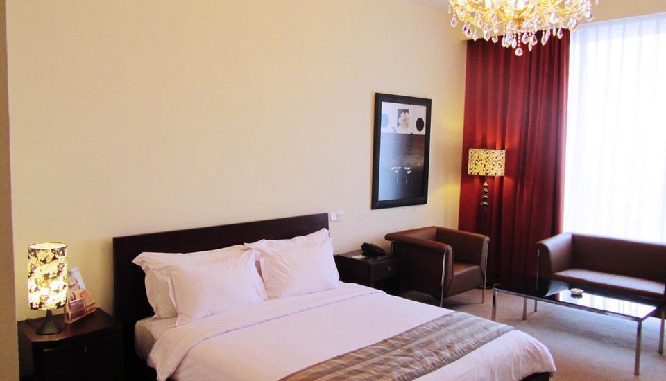 Merlynn Park Hotel Jakarta - Tiffany Suite With Breakfast Regular Plan