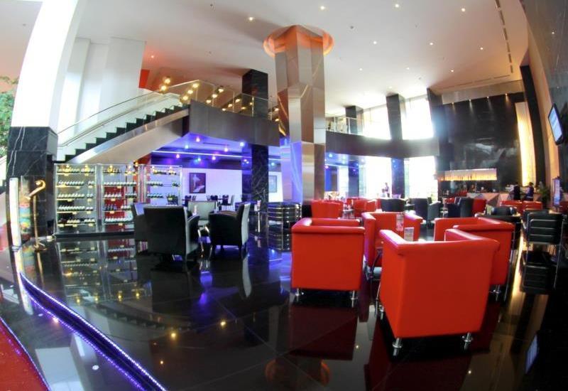 Merlynn Park Hotel Jakarta - Lounnge