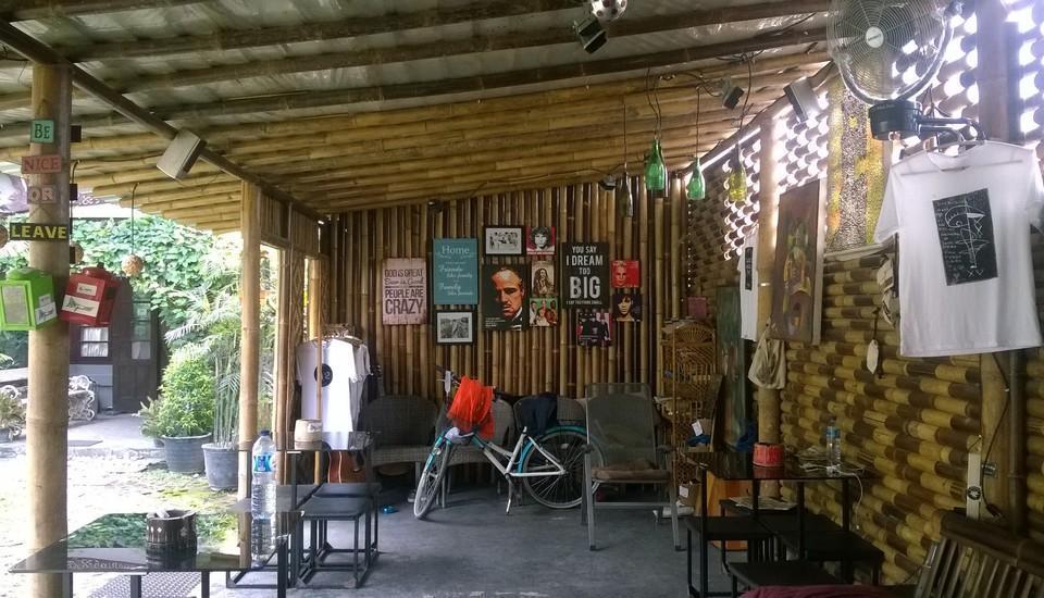 Venezia Garden Yogyakarta - Public area, mini bar