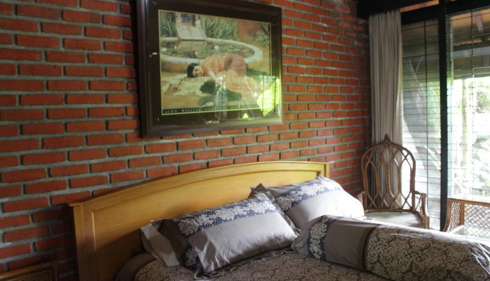 OBC Guest House Bandung - Villa 1 (3 kamar) - Room Only Regular Plan