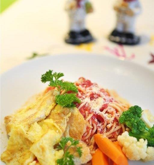 Rivavi Fashion Hotel Bali - Food