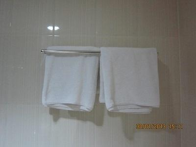 Hotel Bandara Syariah  Bandar Lampung - bathroom