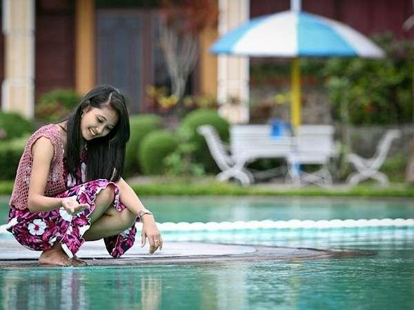 Royal Orchids Garden Hotel Malang - Swimming Pool