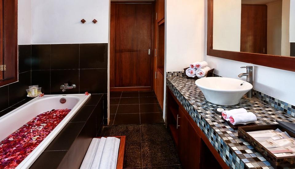 Nirwana Resort Bali - Deluxe, Bathroom