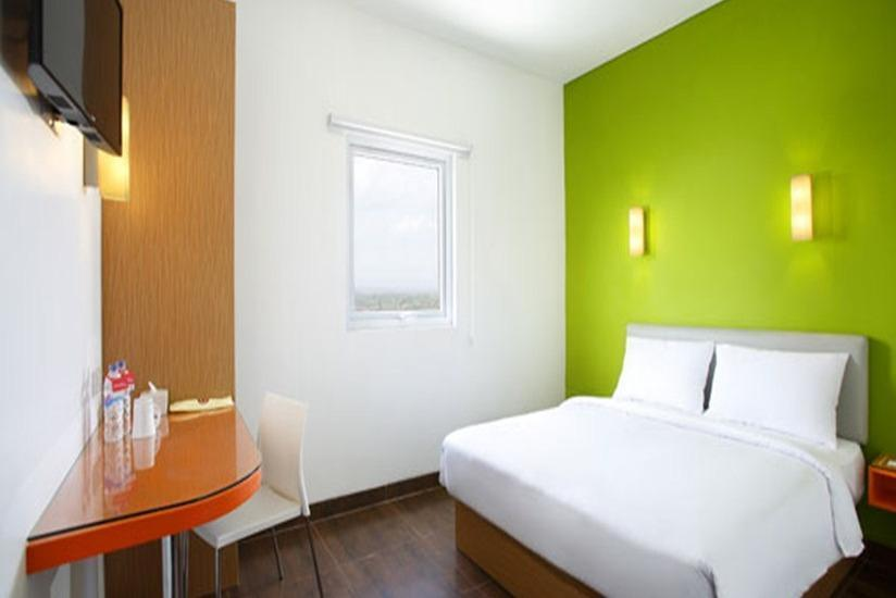 Amaris Simpang Lima - Smart Room Queen Offer Last Minute Deal