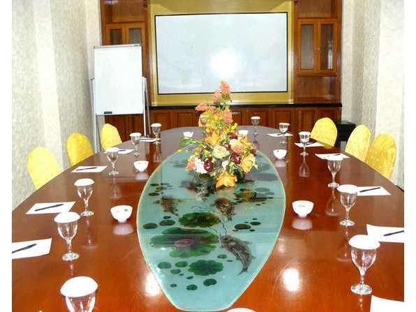 V3 Hotel Surabaya - Meeting Room V3