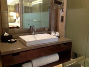 Hotel Tentrem Yogyakarta - Kamar mandi