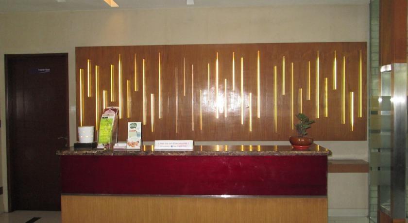 Anggrek Shopping Hotel Bandung - Receptionist