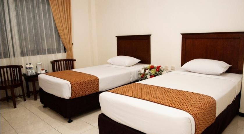 UB Hotel Malang - Rooms