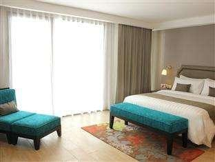 Harper Kuta - Deluxe Room with Breakfast Regular Plan