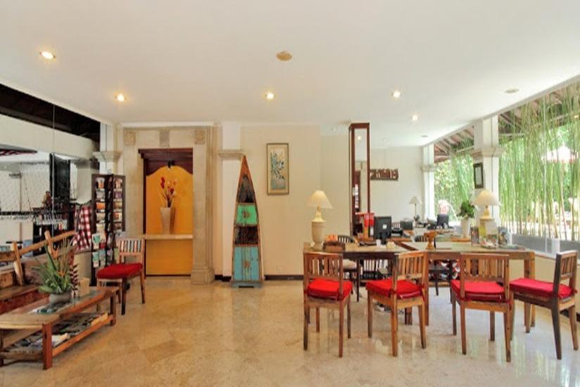 Hotel Royal Tunjung Bali - Living room