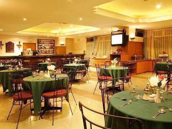 Losari Metro Hotel Makassar - Melati Coffee Shop