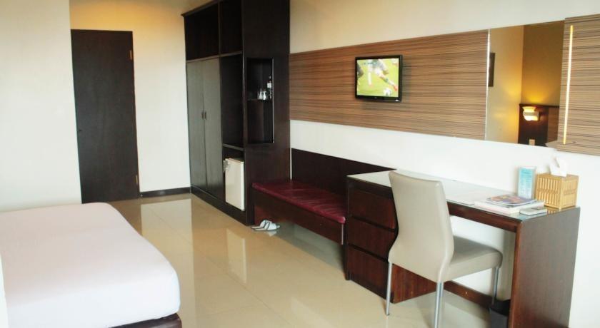 Losari Metro Hotel Makassar - Room