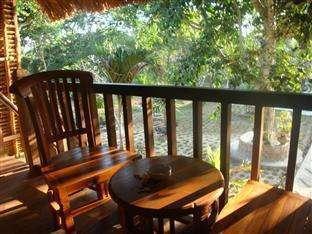 Lotus Garden Huts Bali - balcony
