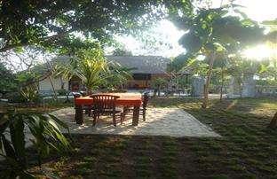Lotus Garden Huts Bali - garden