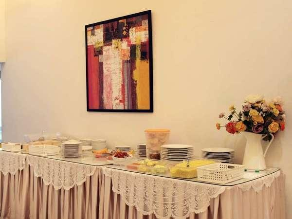 The Sriwijaya Hotel Padang - Meal