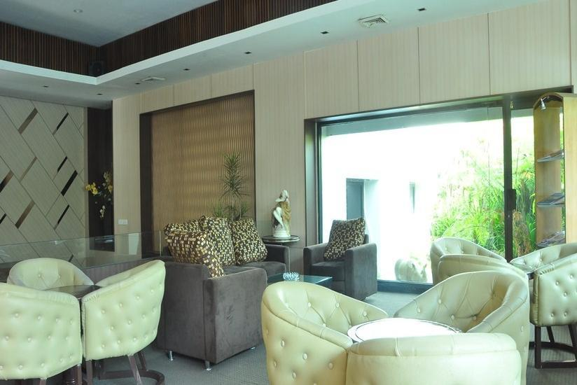 Kartika Graha Hotel Malang - Executive Lounge