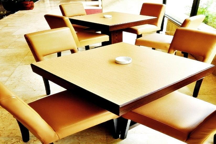 Hotel Sahid Raya Yogyakarta - Dining Table