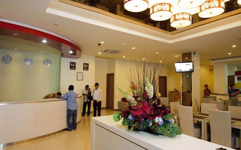 Putra Mulia Hotel Medan - Reception