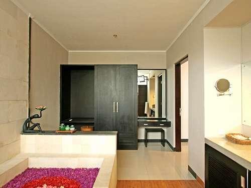Grand Shahzad  Umalas - 1 Bedroom Villa Bathroom