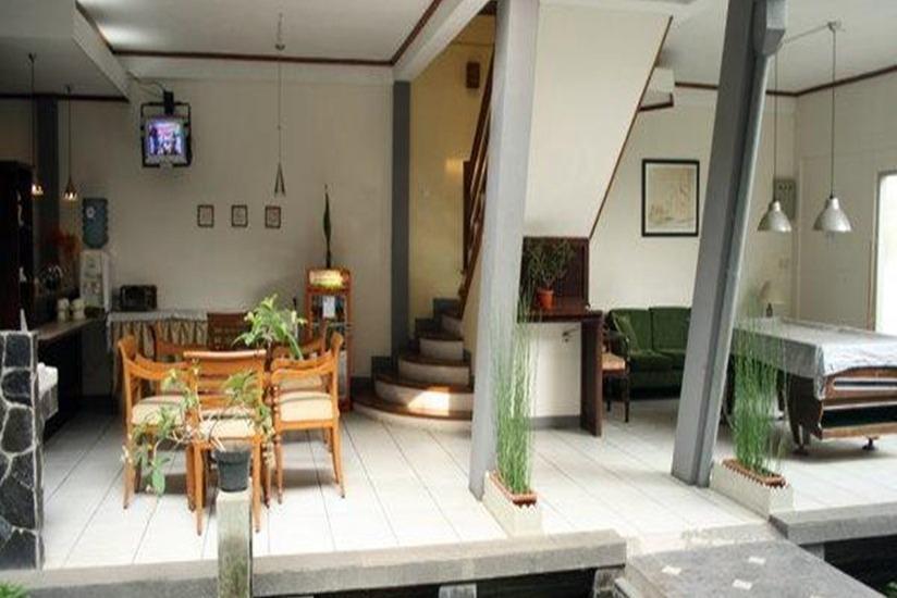 Rumah Asri Bandung - Interior