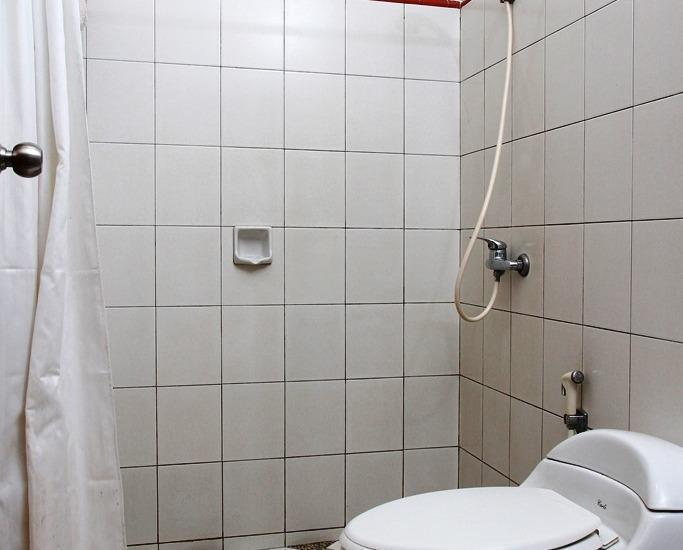 Rumah Asri Bandung - Bath Room