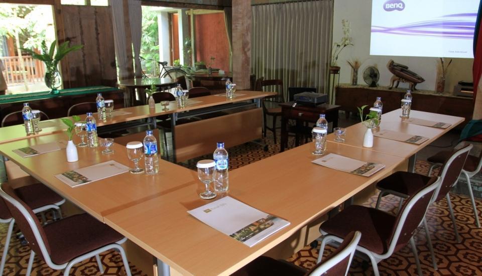 Rumah Batu Villa Solo - Ruang Pertemuan