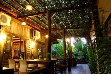 Rumah Batu Villa Solo - Garden Restaurant