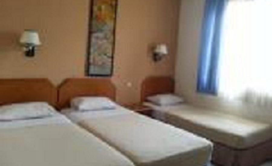 Kenangan Hotel Bandung - Deluxe Tripel Bed
