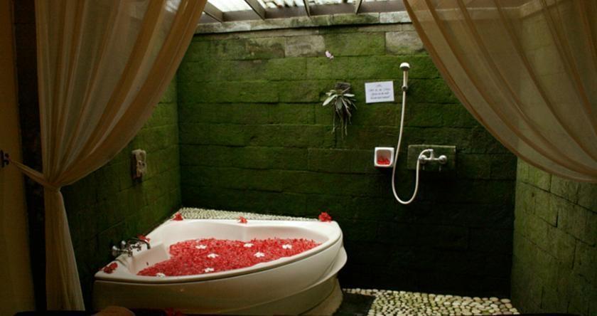 Biyukukung Suites & Spa Bali - Bathroom