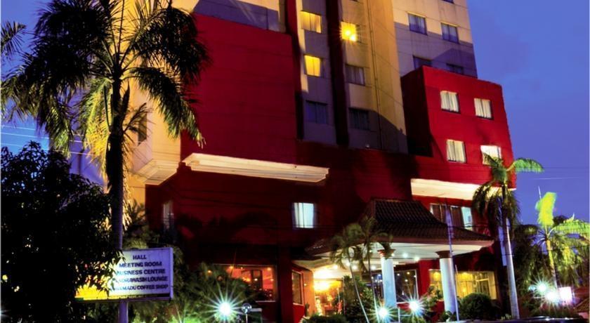 Hotel Cendana Surabaya - Front View