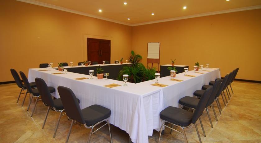 Sangria Resort & Spa Bandung - Meeting Room