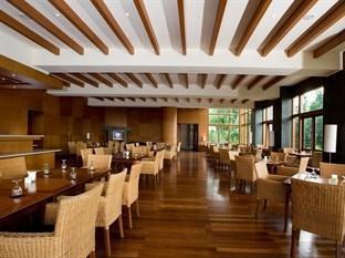 Sangria Resort & Spa Bandung - Restoran