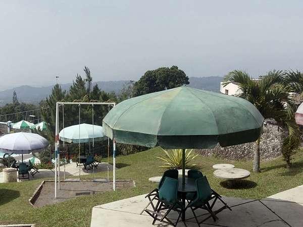 Amanda Hills Hotel Semarang - Garden