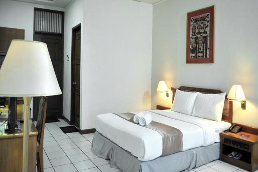 Amanda Hills Hotel Semarang - Guest room