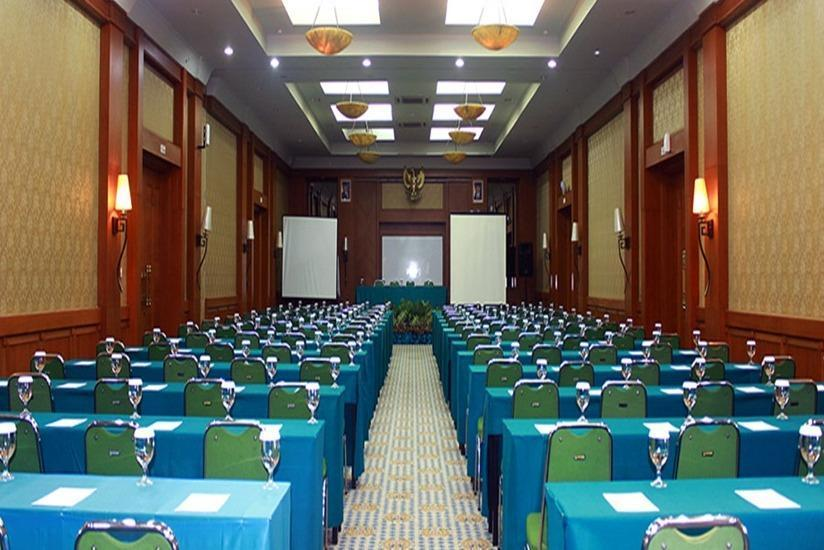 Amanda Hills Hotel Semarang - Meeting room