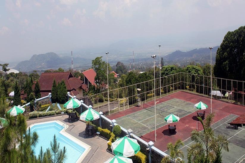 Amanda Hills Hotel Semarang - View