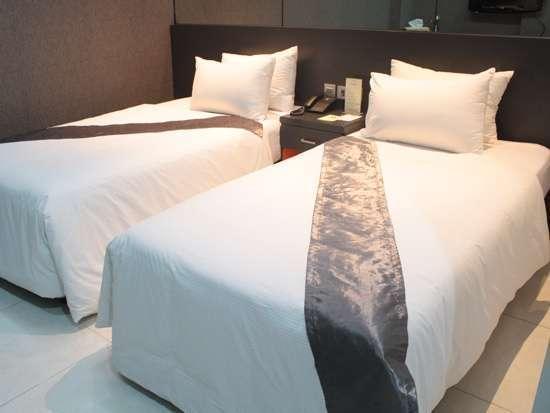 Candi Hotel Medan - Executive Room Twin Regular Plan