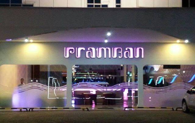 Candi Hotel Medan - cafe