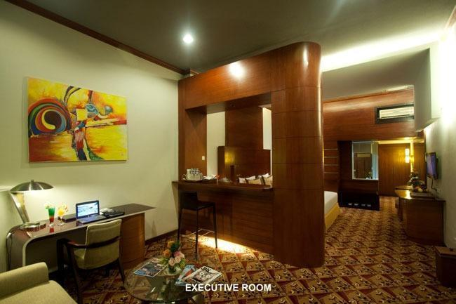 Savoy Homan Bandung - Living Room Executive Room