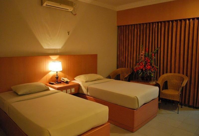Pelangi Hotel And Resort Tanjung Pinang - DELUXE TWIN ROOM