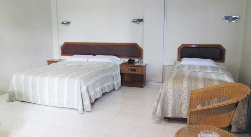 Pelangi Hotel And Resort Tanjung Pinang - FAMILY ROOM
