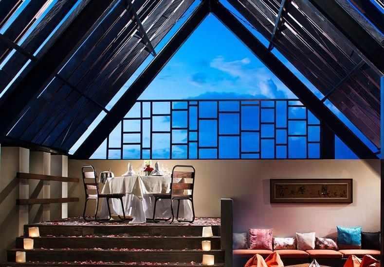 Sun Island Hotel Legian - Makan malam romantis