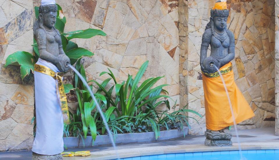 Manggar Indonesia Hotel Bali - Water Statue