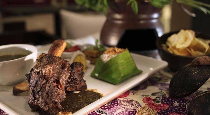 Atria Hotel Malang - Meals1