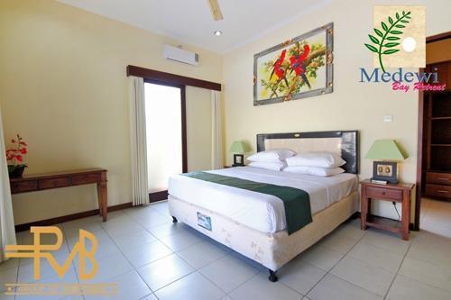 Medewi Bay Retreat Bali - 2 Bedroom Villa, Master Room