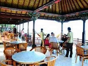 The Rishi Candidasa Beach Hotel Bali - Restaurant
