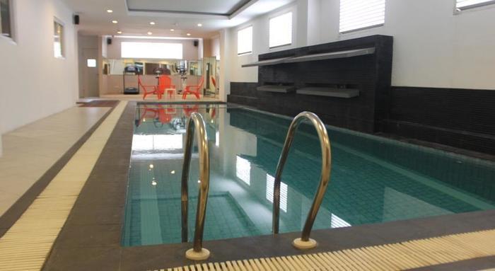T Hotel Jakarta - Pool