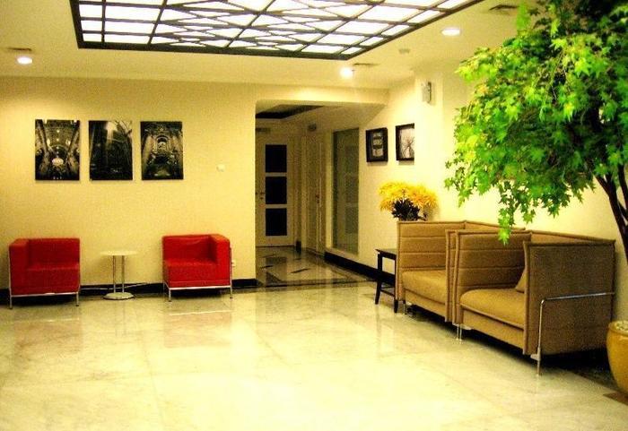 T Hotel Jakarta - lobby hotel