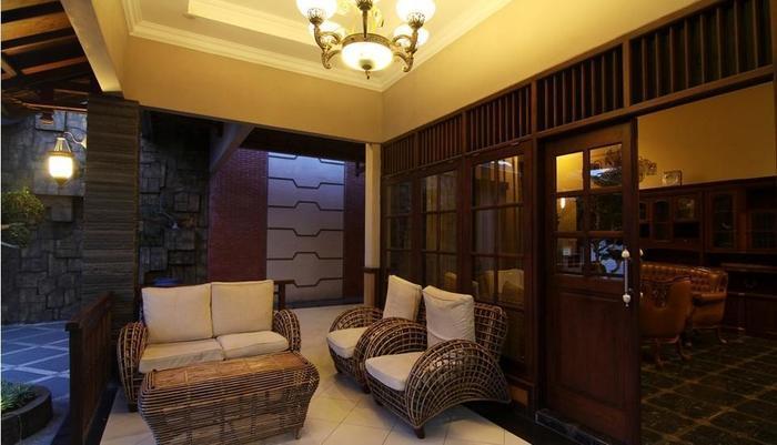 Omah Lawas Homestay Yogyakarta - Teras Depan